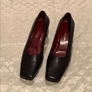 Navy blue leather Naturalizer shoe size 7